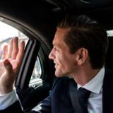 Kaare Dybvad forlader Amalienborg i ministerbilen.