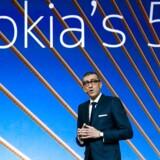 Nokias topchef, Rajeev Suri, kunne godt vinde nyt marked på konkurrenten Huaweis problemer, men han er bekymret for, at den ekstra kontrol, som alle leverandører af 5G-teleudstyr skal igennem, vil blive alt for forskellig fra land til land. Arkivfoto: Yves Herman, Reuters/Ritzau Scanpix