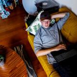 Det er to år siden at Lasse Wernblad bukkede under for stress og angst. Sygdommen fandt han ud af var opstået i kølvandet på den usunde perfektheds-kultur, der hersker på de sociale medier.