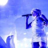 Svenske Robyn får forrygende anmeldelser efter sin optræden på Roskilde Festival natten til lørdag.