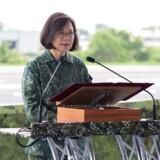 Op til næste års præsidentvalg i Taiwan bliver siddende præsident Tsai Ing-wen kritiseret for at være kvinde, single og barnløs.