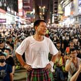 Titusindvis af demonstranter var søndag på ny i Hongkongs gader i protest.