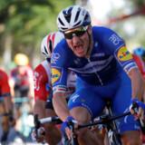Med hjælp fra den danske mester Michael Mørkøv spurtede Elia Viviani sig til etapesejren på ruten fra Reims til Nancy. REUTERS/Gonzalo Fuentes