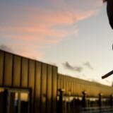 »13.600 danskere dør hvert år af rygerelaterede sygdomme, og for første gang i 20 år er antallet af rygere steget. Det er et tydeligt tegn på, at der er brug for strukturel forebyggelse, der starter med højere priser på tobak, men ikke ender der,« skriver Jesper Brink Svendsen, der er medlem af Lægeforeningens bestyrelse.