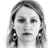 Nogle få timer en nat i 2013 har ændret Amalie Botschinsky liv for altid. Den første halvdel står skarpt i hendes erindring, men det gør anden halvdel ikke. Ved efterfølgende undersøgelser blev der fundet spor af stoffer i hendes krop og rifter i hendes skede efter samleje. Hun er ikke i tivlvom, at hun er blevet drugraped.
