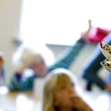 Aldrig før har børn været omgærdet af så mange bekymringer, som de er i dag. Men i al den velmenende bekymring risikerer forældre at frarøve børnene naturlig selvtillid. Arkivfoto: Johan Gadegaard/Ritzau Scanpix