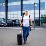 I Istanbul er Abdul Rahman Arafh udstationeret for at sprede dansk arbejdskultur. Når han kommer tilbage til Danmark, er han igen bare syrisk flygtning.