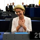 Ursula von der Leyen efter astemningen, der godkender hende som formand for EU-Kommissionen. EPA/PATRICK SEEGER