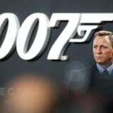 »Jeg er en stor fan af Ian Flemings (og andres) James Bond, men nu forlyder det, at James Bond i film nr. 25 går på pension, og at hans nummer overtages af en kvinde. Endog en sort en af slagsen. Såfremt det er tilfældet, har jeg set min sidste 007-film,« skriver Niels B. Larsen.