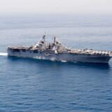 Det amerikanske krigsskib »USS Boxer«, der i går ifølge USA skød en iransk drone ned torsdag. Sammen med beslaglægningen af et britisk skib, er konflikten i området for alvor ved at optrappe.