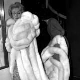 Von Kopf biss Fuss auf Liebe eingestellt: Marlene Dietrich i Glassalen i Tivoli, 1960. Angiveligt flettede hun sit eget hår i stramme små fletninger, der løftede hendes pande, inden hun fik parykken på.