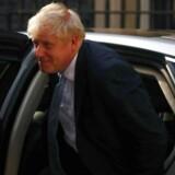 Boris Johnson flyttede ind på premierministeradressen Downing Street 10 onsdag aften. Han har i samme ombæring sat et hold af nye ministre i kabinettet, som består af Brexit-tilhængere.