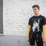 18-årige Daniil Tokarev elsker sit hjemland. Og så alligevel ikke. For i Rusland kan han ikke være sig selv - han kan ikke gå i det tøj, han vil, uden at folk kigger mærkeligt på ham. Derfor er hans højeste ønske at flytte til udlandet.