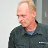 Andreas Laake forsøgte i 1984 at flygte fra det daværende Østtyskland til Danmark sammen med sin gravide hustru. I stedet blev han fængslet, og da sønnen blev født, blev han bortadopteret uden faderens accept. Først næsten 30 år senere mødte Andreas Laake sin søn for første gang.