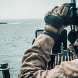 Om bord på det amerikanske krigsskib »USS John P. Murtha« bliver der holdt øje med iranerne. Donald Holbert/U.S. Navy/Handout via REUTERS ATTENTION EDITORS- THIS IMAGE HAS BEEN SUPPLIED BY A THIRD PARTY.