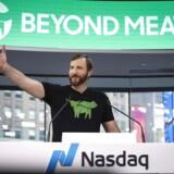 (Arkivfoto) Beyond Meat-topchef, Ethan Brown, vil sælge ud af sine aktier blot tre måneder efter, at han ringede med klokken på Nasdaq MarketSite i New York i forbindelse med selskabets børsnotering 2. maj i år. Det har fået aktiekursen til at rasle ned. Foto: Drew Angerer / GETTY IMAGES NORTH AMERICA / AFP / Scanpix