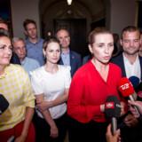 »Da forståelsespapiret med støttepartierne blev fremlagt, var det klart, at det var en liste over det, partierne nu engang kunne blive enige om, og at den liste hverken var bindende, finansieret eller udtømmende,« skriver Anne Sofie Allarp. (Foto: Mads Claus Rasmussen/Ritzau Scanpix)