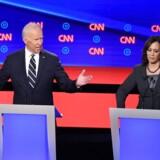Kropssproget siger en del: Tidligere vicepræsident Joe Biden og senator Kamala Harris toppedes på ny under nattens debat. (Photo by Jim WATSON / AFP)