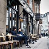 Café Dan Turèll har de seneste år været på kant med loven flere gange. Den seneste måned har Fødevarestyrelsen haft travlt på cafeen.