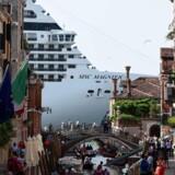 Et af de største problemer i Venedig er de store krydstogtskibe, der lægger til kaj i den gamle by. Havnemyndighederne appellerer nu til andre havne i Europa om at gøre fælles front mod cruise-selskaberne.