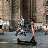 Antallet af tilskadekomne i forbindelse med løbehjulskørsel er steget kraftigt. Løbehjul ved Rundetårn i København d. 3 august 2019.