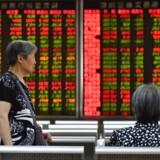 Aktier over hele verden faldt igen mandag, efter at Kina kom med et modsvar til Trumps seneste straftold. Handelskrigen virker nu svær at løse.