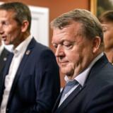 »Fordelingen af topposterne udstiller en splittet folketingsgruppe, der ikke kan blive enige om en ny formand, og som derfor holder hinanden i skak,« skriver politisk kommentator, efter Lars Løkke Rasmussen mandag præsenterede Venstres nye gruppeledelse.