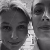 Clara Uttendal (tv) og hendes søster (th) var ved at rede op på altanen, da de fangede braget på video.