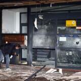 Told og Skat's indgangsparti og dele af bygningen på Tagensvej blev også kraftigt ødelagt af en bombe for seksten år siden.