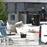 Mandskab er ved at foretage tekniske undersøgelser ved Skattestyrelsen onsdag efter en krafitig eksplosion raserede bygningen på Østerbro i København sent tirsdag.