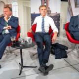 Lars Løkke Rasmussen (V) må efter Kristian Jensens melding nu gøre det klart, at Venstre går efter en borgerlig regering, lyder det fra Søren Pape (K). Kristian Thulesen Dahl (DF) har gjort det til et krav, at Løkke dropper en regering hen over midten.