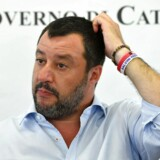 Matteo Salvini sidder tilsyneladende med alle trumfer på hånden, efter at han torsdag aflivede Italiens protestregering. Men hans erobring af magten ved et nyvalg er ingen selvfølge.