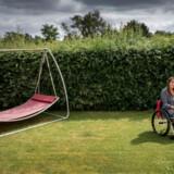 Tidligere betjent Helle Schmidt blev overfaldet på Nørrebro i slut 1980erne. I dag har hun PTSD og sidder kørestol.