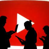 Youtubes algoritmer er tidligere blevet kritiseret for at være ujævne og for i overvejende grad at tilgodese kanaler med store antal seere og abonnenter. Med det seneste sagsanlæg har politikere i USA dermed fået mere ammunition til at underlægge sociale medier uafhængig politisk regulering.