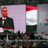 Viktor Orbán, engang liberal revolutionshelt, i dag en autoritær leder, som tordner mod Vestens liberale værdier. Her er han på scenen under en markering af den ungarske opstand mod Sovjetunionen i 1956. Foto: Ritzau/Scanpix/AFP