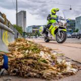 »Der findes en gruppe mennesker i København og andre steder i landet, som kører i voldsomt kraftige biler. Muskelbiler. De tilhører ofte bandemedlemmer, og når vi forsøger at stoppe dem på gaden, træder de typisk på speederen og kører fra os. Koste hvad det vil. De kører med hovedet under armen til fare for alt og alle,« sagde Henrik Schmeisser, politiassistent ved Københavns Færdselspoliti, onsdag til Berlingske.
