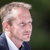Fredag i sidste uge kulminerede magtkampen mellem de Lars Løkke Rasmussen og Kristian Jensen – forløbigt. Her er Kristian Jensen fotograferet under Venstres pressemøde i forbindelse med sommergruppemødet på Kragerup Gods.