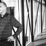 »En helt enestående personlighed er gået bort. Der er grund til at mindes og ære Lars Larsen og hans livsværk.«