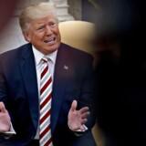 »Trumps udsættelse af det officielle statsbesøg på ubestemt tid er i sig selv et fuldstændig uhørt skridt, en diplomatisk fornærmelse og dybt ildevarslende for tilstanden i hele det transatlantiske samarbejde.« EPA/Andrew Harrer / POOL
