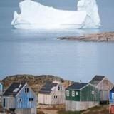 »Som jeg efterhånden mange gange har måtte slå fast overfor diverse journalister fra hele verden, er Grønland ikke en handelsvare,« skriver Aaja Chemnitz, MF for Inuit Ataqatigiit (Photo by Jonathan NACKSTRAND / AFP)