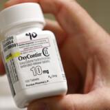 Oxycontin blev markedsført som en effektiv smertestillende medicin med lav risiko for afhængighed. Sandheden er, at Oxycontin er dybt afhængighedsskabende.