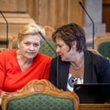 Arkivfoto. Eva Kjer Hansen (V) og Anni Matthiesen (th.) (V).