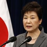 Den sydkoreanske ekspræsident Park Geun-hye er dømt for at have modtaget bestikkelse fra store virksomheder til gengæld for fordelagtig behandling. Jeon Heon-Kyun/Ritzau Scanpix