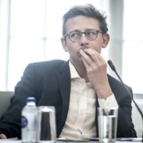 »Der er således nok at tage fat på for at styrke retssikkerheden for erhvervslivet, og selvom den forrige regering med daværende skatteminister Karsten Lauritzen i spidsen har flere retssikkerhedspakker bag sig, er det fortsat afgørende, at hensynet til erhvervslivets retssikkerhed respekteres, når lovgivningen og rammerne ændres,« skriver Henrik Rothe.