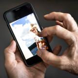 720 kvinder har fået delt deres intime billeder uden samtykke i et online katalog.