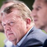 Venstres netop afgående partiformand Lars Løkke Rasmussen ville have anbefalet en midterregering, hvis han havde siddet som formand ved det kommende landsmøde, skriver han på Facebook.