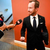 Venstre holder første gruppemøde efter weekendens hovedbestyrelsesmøde i Brejning, hvor både formand Lars Løkke Rasmussen og næstformand Kristian Jensen bebudede deres afgang. Her ankommer Jakob Ellemann-Jensen.