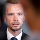 Beskæftigelsesminister Peter Hummelgaard (S) siger i en pressemeddelelse, at »vi må åbent sige, at børnetilskuddet på ingen måde løser de problemer, der er med ydelsessystemet eller med fattigdom. Uanset hvordan man vender og drejer det, er det bedste for børnene, at mor og far kommer i arbejde«.