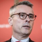 »Så er jeg tilbage på Christiansborg og med nye omgivelser på nye betingelser,« skriver Henrik Sass Larsen.