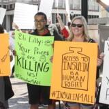 Den internationale græsrodsbevægelse T1International, der har som erklæret mål at gøre »insulin tilgængeligt for alle«, har holdt flere demonstrationer rundt om i USA for at få priserne på diabetesmedicin ned.